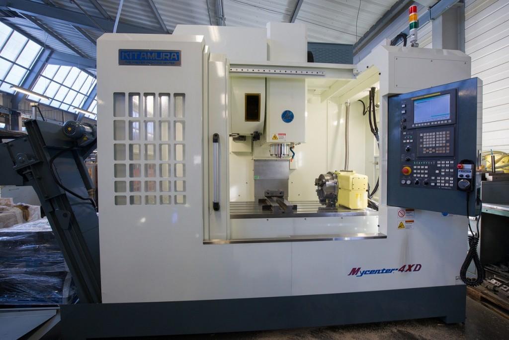 JM9A4044